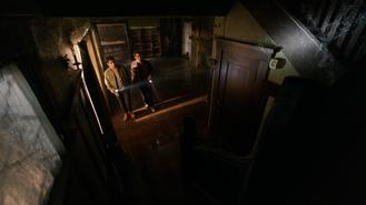 Dylan-O'Brien-Tyler-Posey-Stiles-Scott-enter-adandonned-home-Teen-Wolf-Season-6-Episode-1-Memory-Lost