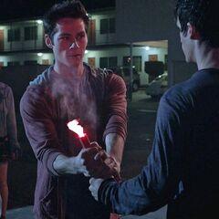 Encore une fois Stiles sauve quelqu'un