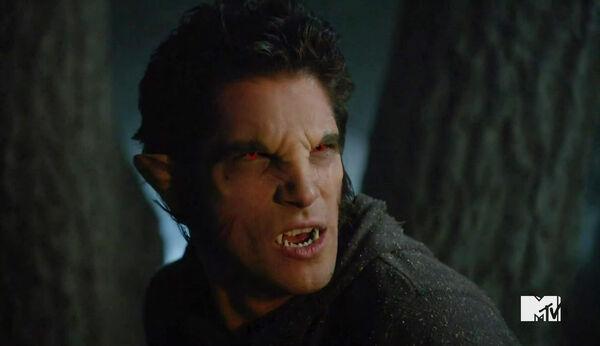 Tyler-Posey-Werewolf-Teen-Wolf-Season-6-Episode-Riders-on-the-Storm-Wikia