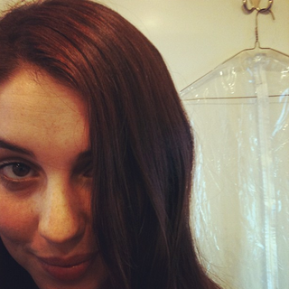 Teen Wolf Behind The Scenes Adelaide Kane Tweets Cora Hair - RED!