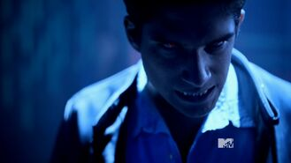 Teen Wolf Season 3 Episode 16 Illuminated Tyler Posey Scott McCall Ready To Fight