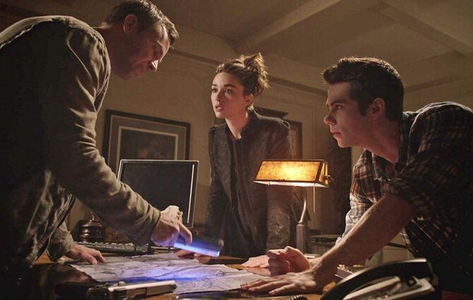 1 Chris Argent, Allison et Stiles3.11