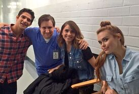 Teen-Wolf-Season-6-behind-the-scenes-Tyler-Posey-Holland-Roden-Shelley-Hennig-with-orderly