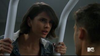 Teen Wolf Season 5 Episode 6 Required Reading Malia is stonger than theo
