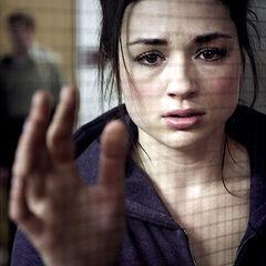 Allison va voir Lydia à l'hôpital