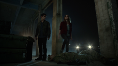 Tyler-Posey-Shelley-Hennig-Scott-Malia-inside-guy-Teen-Wolf-Season-6-Episode-12-Raw-Talent