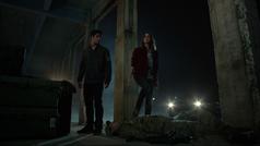 Tyler-Posey-Shelley-Hennig-Scott-Malia-inside-guy-Teen-Wolf-Season-6-Episode-12-Raw-Talent
