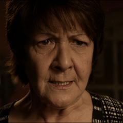 Araya questionne violemment Scott à propos de l'endroit ou est Derek.
