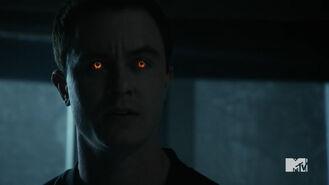 Teen Wolf Season 5 Episode 19 The Beast of Beacon Hills Hellhound eyes