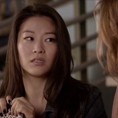 Discussion entre Kira et Malia à propos de Scott.