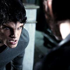 Scott face à Derek