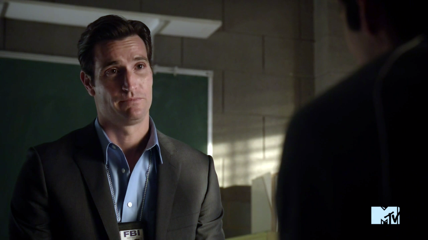 Teen Wolf Season 3 Episode 11 Alpha Pact Matthew Del Negro Agent McCall  Questions Stiles png. Image   Teen Wolf Season 3 Episode 11 Alpha Pact Matthew Del Negro