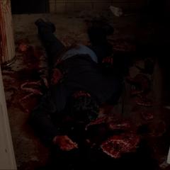 Le cadavre de l'homme tué par Kate.