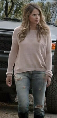 Malias-pink-knit-sweater-ripped-jeans