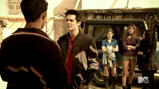 Teen Wolf Season 4 Episode 401 The Dark Moon The gang sets out