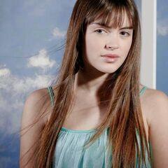 Andrea Ruiz-Tagle en La Familia de al Lado (TVN, 2010)
