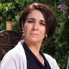 Josefina Velasco es Adriana del Solar