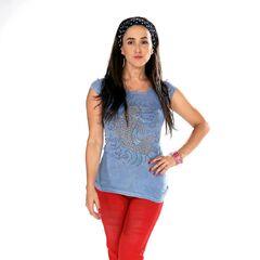 Lorena Bosch es Montserrat Flores