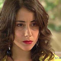 Julia Amigo en Lola (Canal 13, 2007-2008)