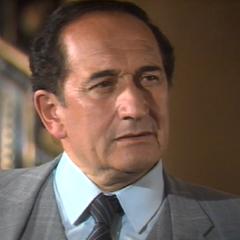 Inspector Domínguez en <i><a href=