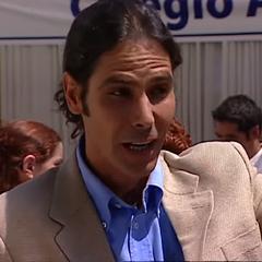 Román Espoz en 16 (TVN, 2003)