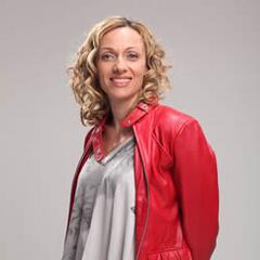 Renata Santelices en 40 y Tantos (TVN, 2010)