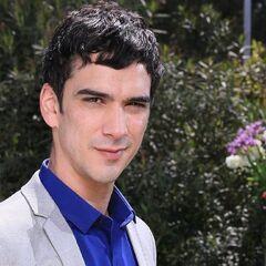 Íñigo Urrutia es Juan Cristóbal Cañas