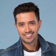 Héctor Morales es Leonardo Flores