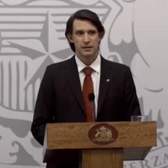 Emiliano Encina en Profugos (HBO, 2011-2013)