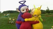 Laa-Laa gives Big Hugs