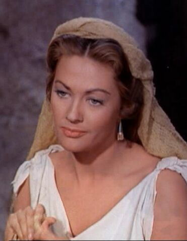 File:Yvonne De Carlo in The Ten Commandments film trailer.jpg