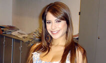 Victoria Vanucci 4