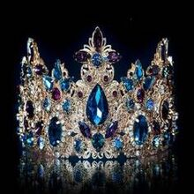 6eee0c12995365a6bfe6c9bca2272a0e--royal-jewels-crown-jewels