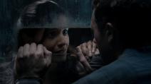 Elisabeth visits Jim at the prison