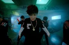 No More Dream MV (15)