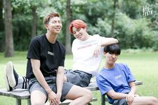 2016 BTS Festa Family Pic 19
