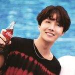 J-Hope Coca Cola Korea (3)