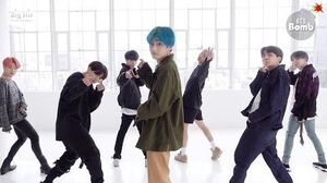 BANGTAN BOMB '작은 것들을 위한 시 (Boy With Luv)' Dance Practice (Eye contact ver