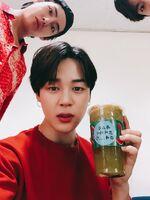V Jimin and Jungkook Twitter June 10, 2018 (1)