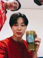 V Jimin and Jungkook Twitter June 10, 2018 (2)