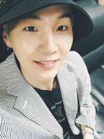 Suga 170913 Weibo