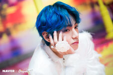 V Boy With Luv Shoot (6)