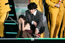 Jingle Bell Rock 2019 SBS Gayo Daejeon (1)