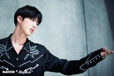 Jin FAKE LOVE MV Shooting (1)