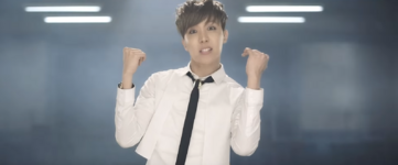 Boy In Luv MV (21)