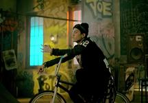 No More Dream MV (9)