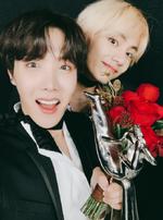 J-Hope and V Twitter Jan 6, 2019