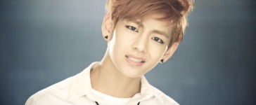 Boy In Luv MV (31)