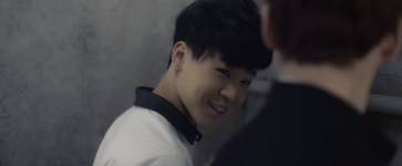Boy In Luv MV (24)