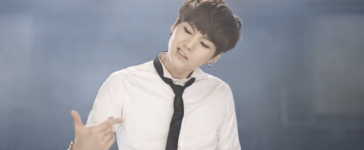 Boy In Luv MV (15)
